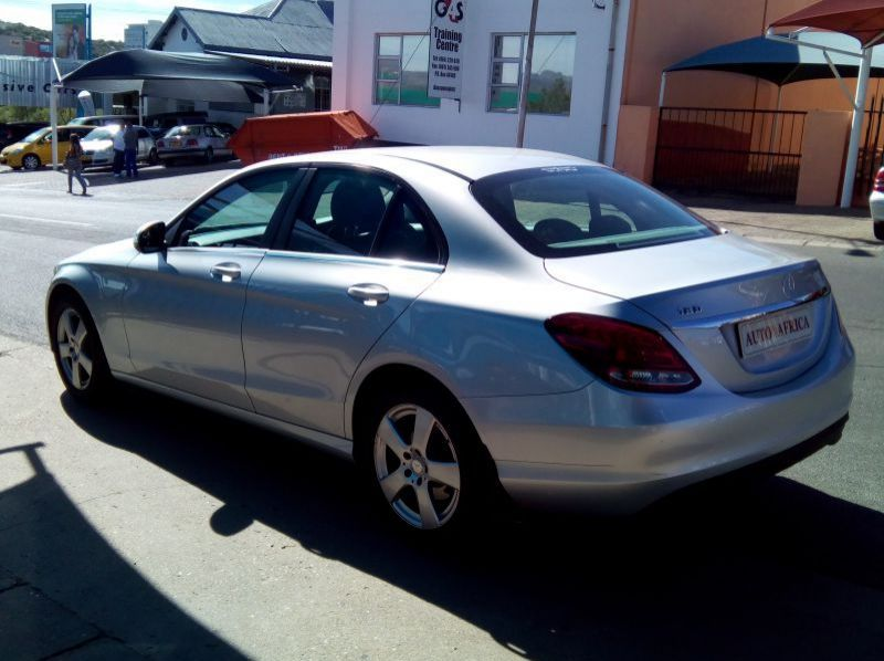 Used Mercedes-Benz C180  for sale in Windhoek, Paraguay