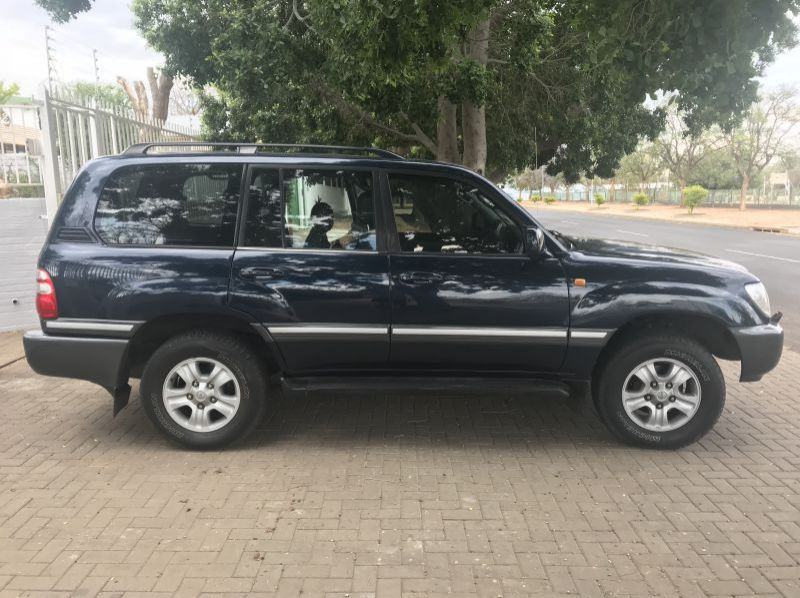 Used Toyota Toyota Landcruiser 4.2 TDi  100 Series Auto  for sale in Windhoek, Namibia