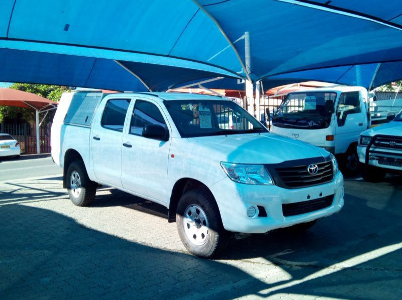 Used Toyota Hilux 2.5 SRX 4x4 D/Cab  for sale in Windhoek, Namibia