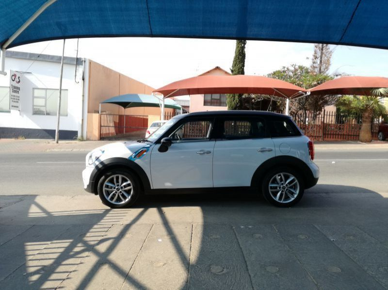 Used Mini Cooper Countryman  for sale in Windhoek, Namibia
