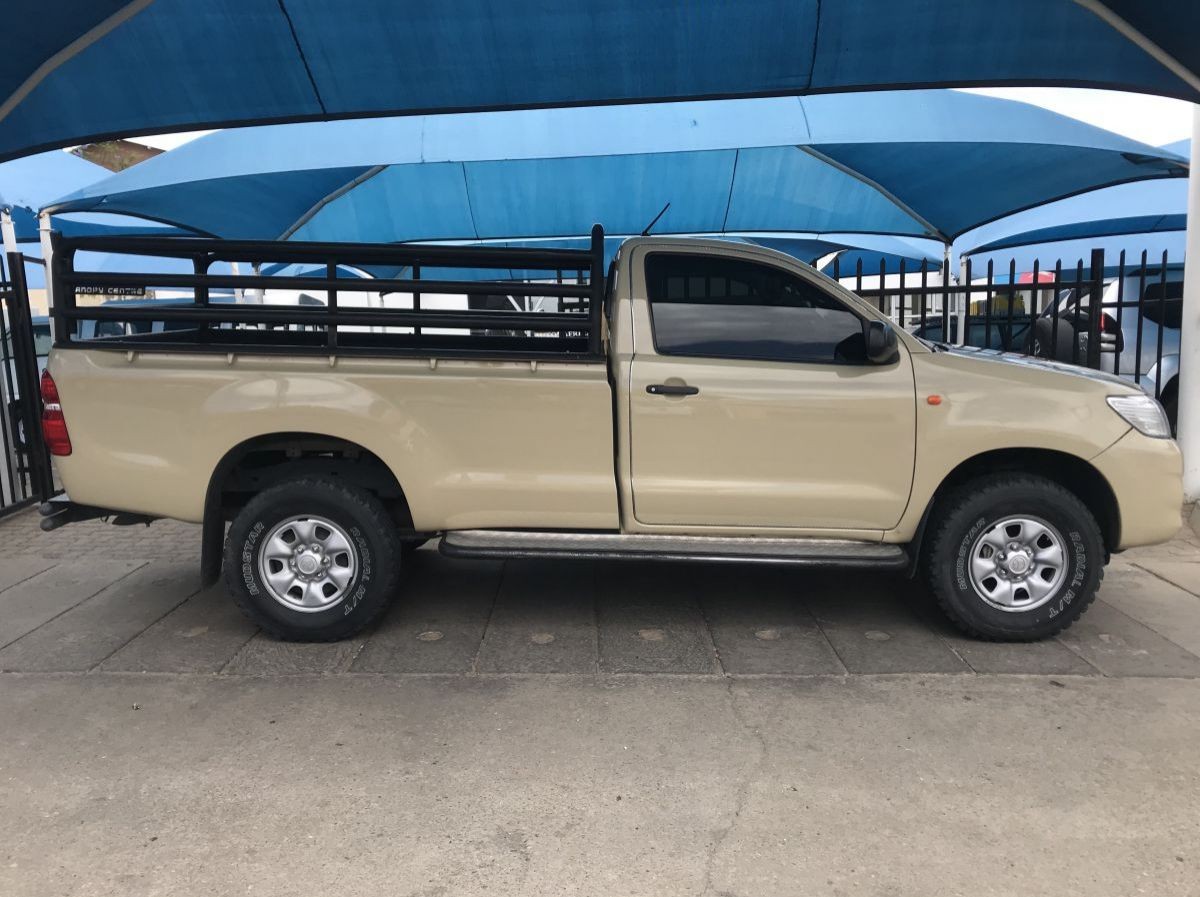 Used Toyota Hilux 2.5 S/C R/B  for sale in Windhoek, Namibia