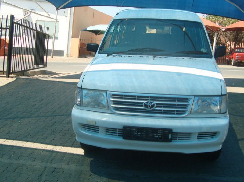 Used Toyota Condor 2.4i TE  2x4  8 Seater  for sale in Windhoek, Namibia