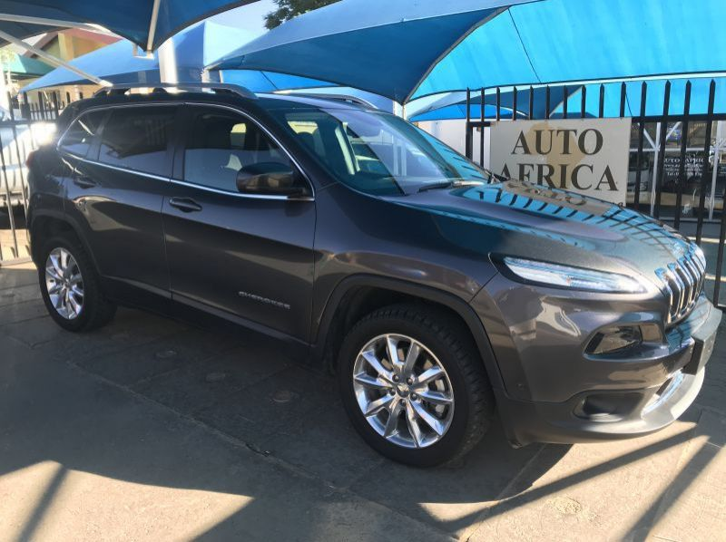 Used Jeep Cherokee 3.2 Limited AWD AT  for sale in Windhoek, Namibia