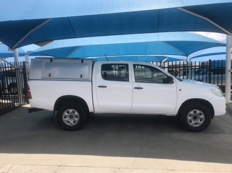 Used Toyota Hilux 2.5 D4D 4x4 SRX D/Cab  for sale in Windhoek, Namibia