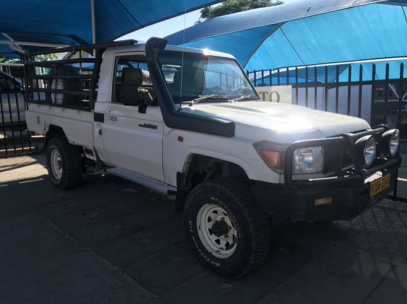 Used Toyota Land Cruiser 4.2 S/C  for sale in Windhoek, Namibia